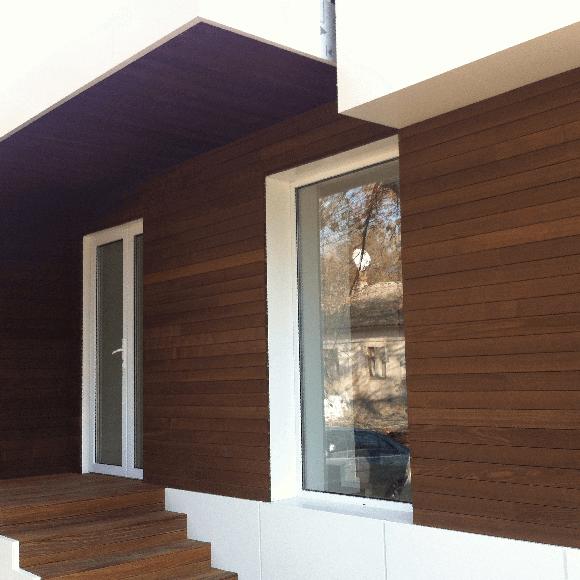 Karelia, Chisinau, Moldova, fatada din lemn natural termotrat